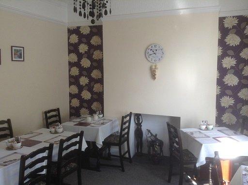 Brynhyfryd Guest House breakfast room